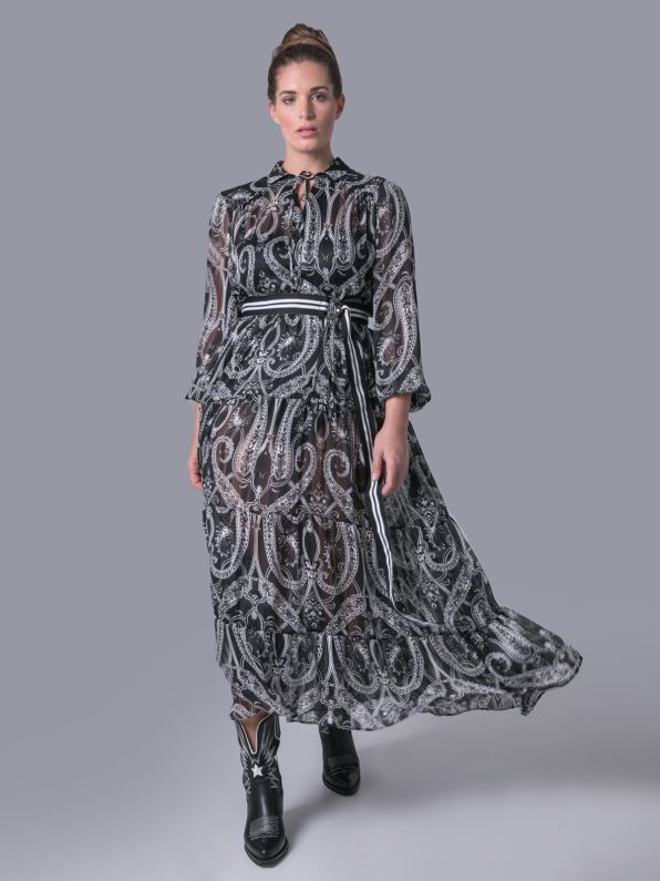 Maxi dress in paisley print