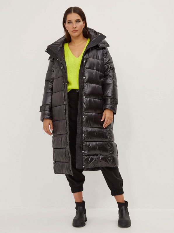 Hooded puffer coat with belt