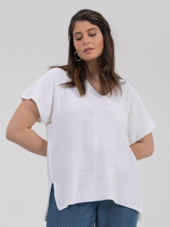 Short-sleeve V-neck jumper in white