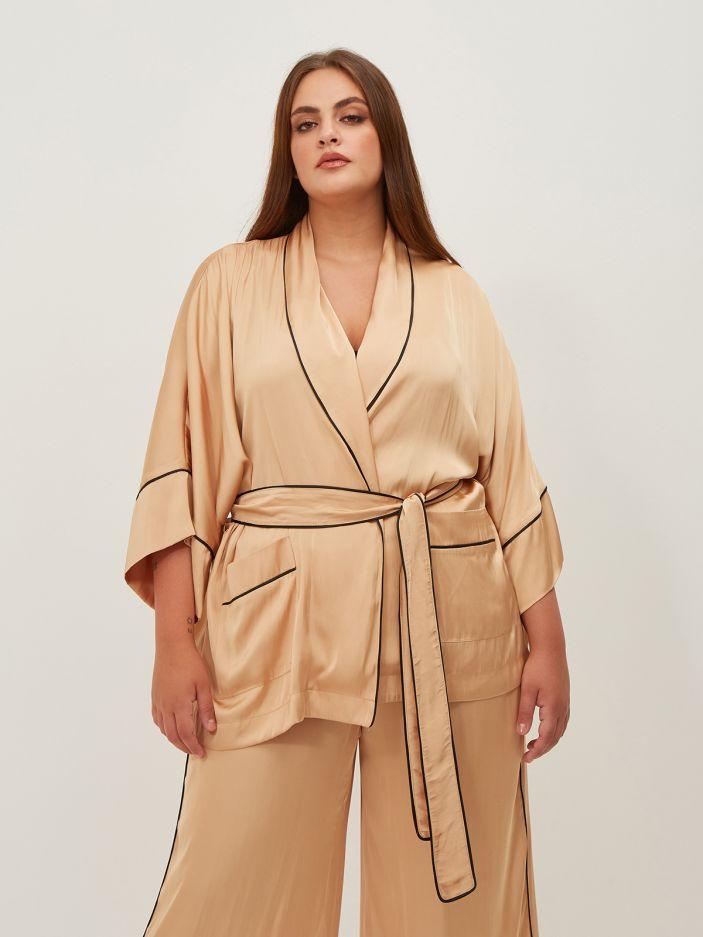 Satin kimono with printed back