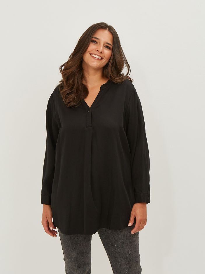 Lyocell denim top with button neck & sleeves