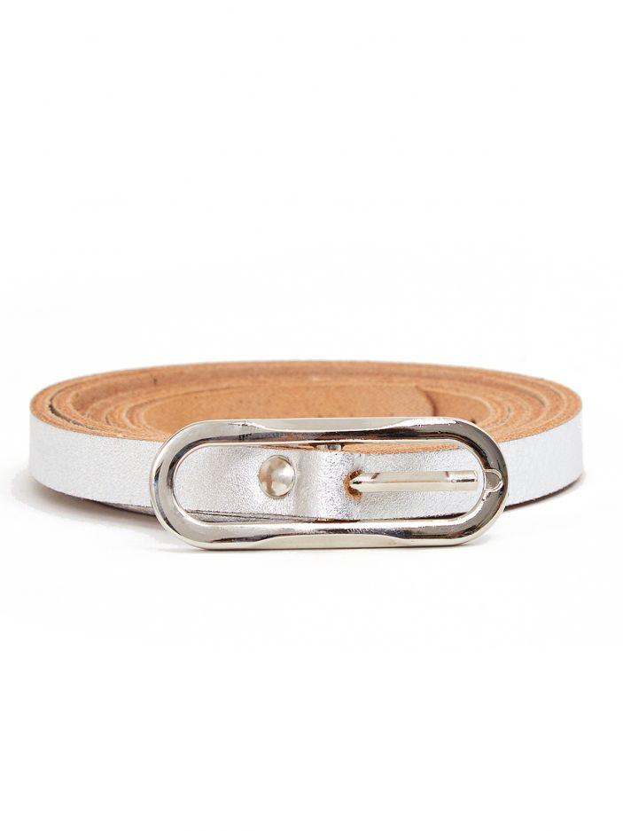 Metallic oval buckle belt