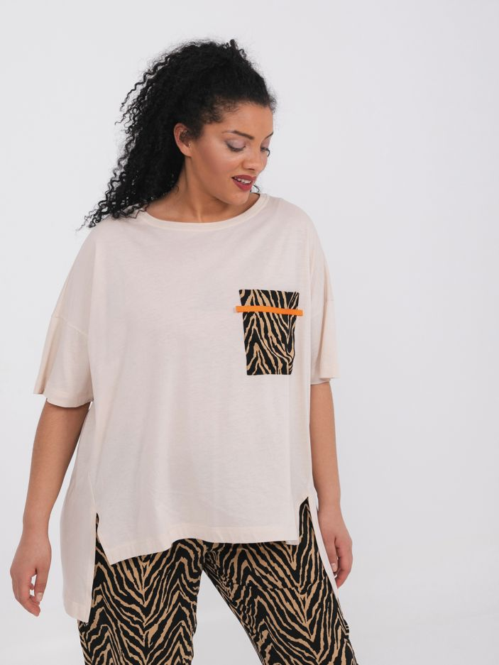 Cotton t-shirt with zebra chest pocket