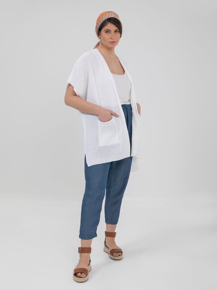 Short-sleeve cardigan with pockets