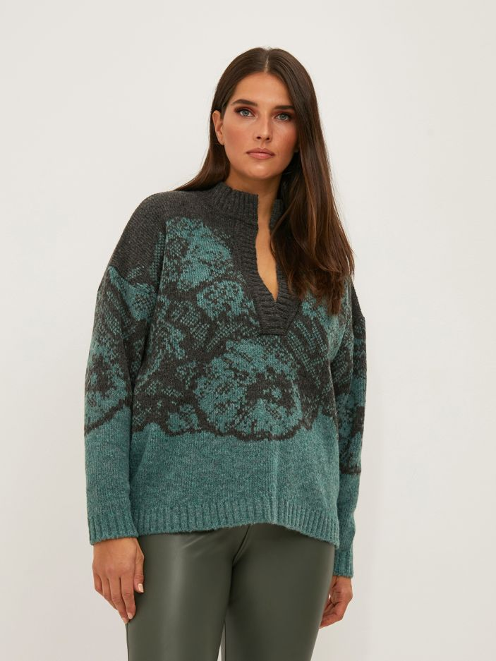 V-neck sweater with floral motifs
