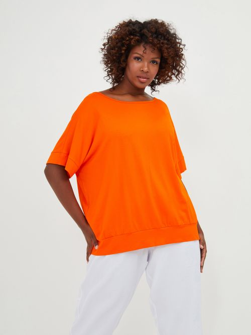 Basic top with fitted hem in orange