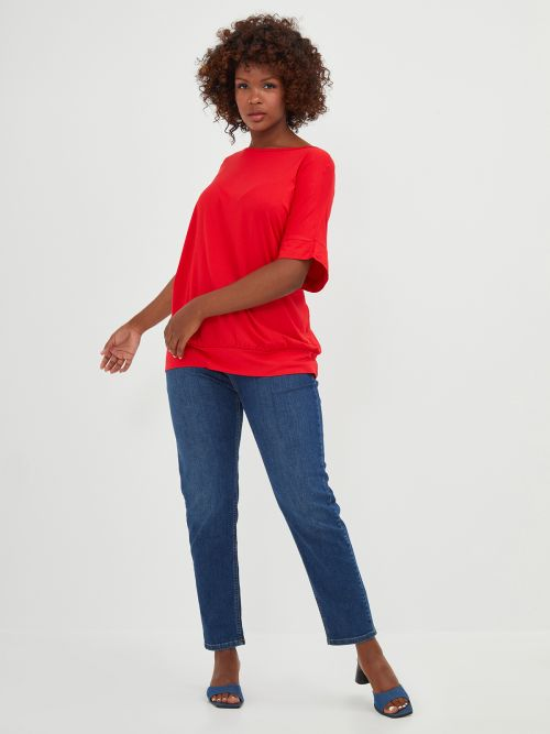 Basic top with fitted hem in red