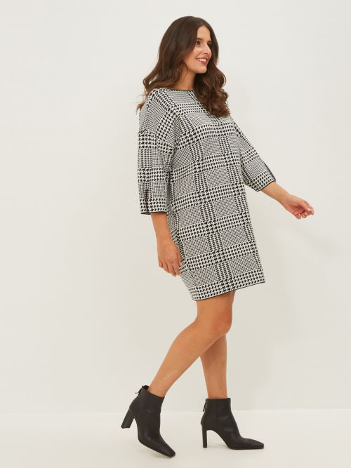 Boat-neck houndstooth tunic dress