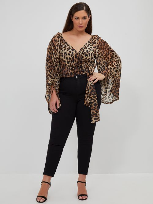 Cropped wrap top in leopard print