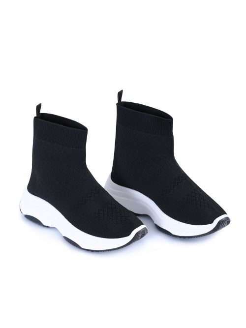 Slip-on sneakers με λευκή σόλα