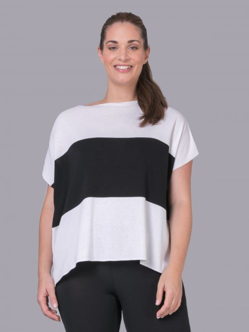 Jumper with a color-block stripe