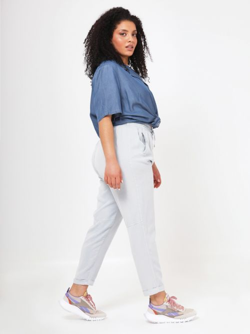 Lyocell denim tapered leg trousers
