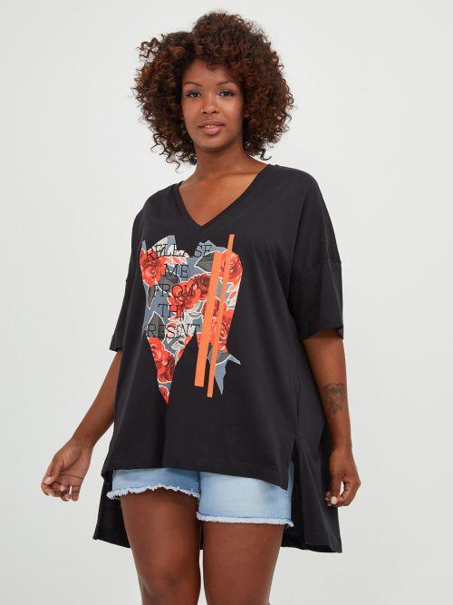 Ασύμμετρη μπλούζα με στάμπα