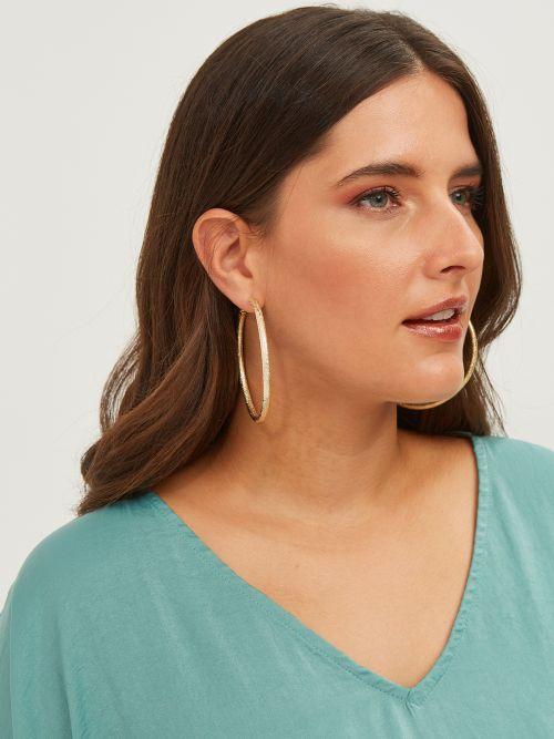Σκουλαρίκια κρίκοι με ανάγλυφα μοτίβα