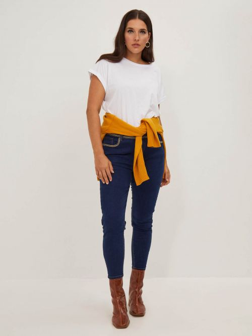 Slim-leg dark blue jeans with embroidery