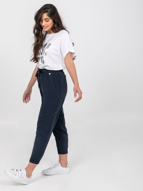 Tapered leg trousers with ties