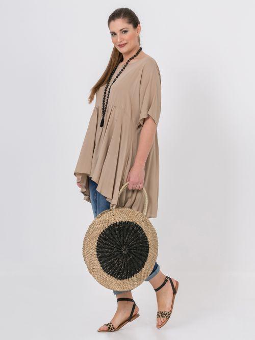 Two-tone circle straw bag