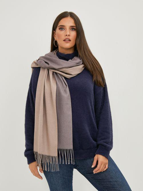 Two-tone fringed scarf