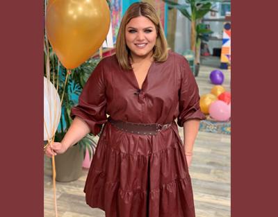 Θεαματικά γενέθλια για τη Δανάη Μπάρκα με φόρεμα mat. fashion!